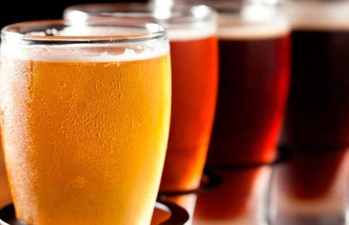 Mexicanos, los más cerveceros entre 52 naciones, dice OCDE