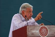 López Obrador promete agilizar la identificación de cuerpos