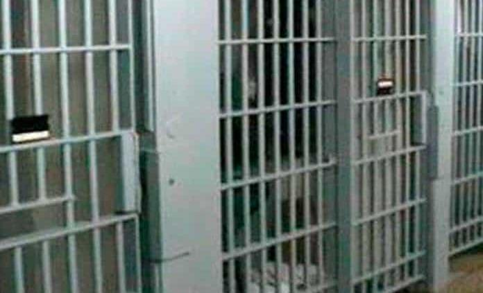 Dan positivo a Covid-19 siete internos de penal en Oaxaca