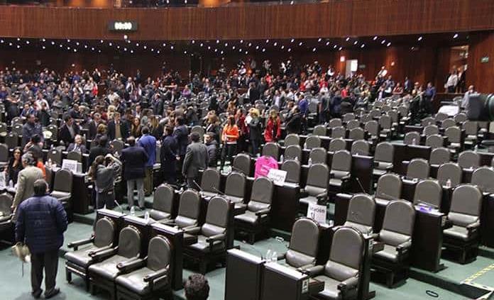Legisladores deben revertir caída de inversión en PEF 2020: Concamin