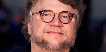 Guillermo del Toro y Cinépolis entregan beca a joven mexicana