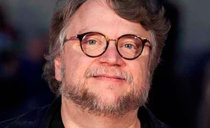 Guilllermo del Toro entrega beca ANIMEXICO 2019 a joven mexicana
