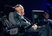 Donan el ventilador de Stephen Hawking para pacientes de COVID-19