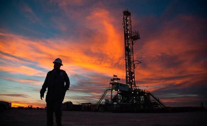 Petróleo, más caro que precio de cobertura
