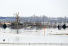 Desborde del río Missouri causa inundaciones