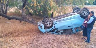 Raudo automóvil se accidenta en Periférico