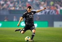 """El Man-United quiere """"robar"""" fichaje de """"Chucky"""" al Nápoles"""