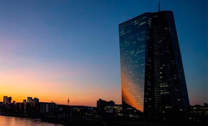 Cede mayoría de las bolsas europeas por presión de la banca
