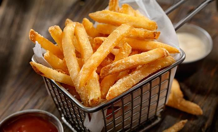 Esto podría pasarte si comes papas fritas diario