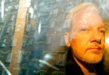 Detienen y liberan a empresario español por espiar a Assange