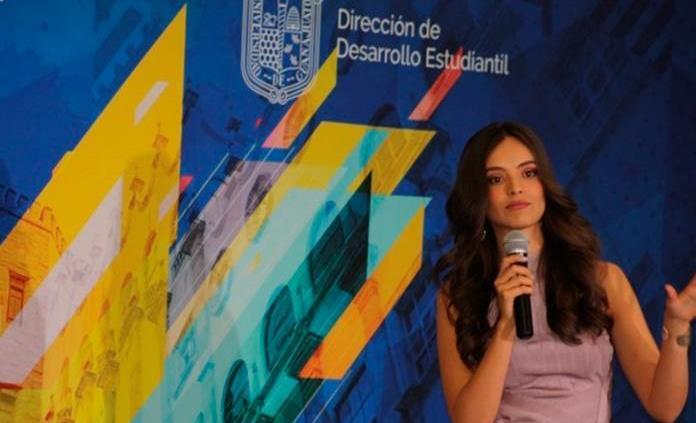 Miss Mundo celebra Día del Estudiante en Universidad de Guanajuato