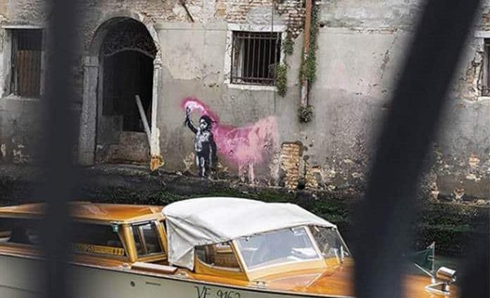 Banksy reconoce la autoría del dibujo del niño inmigrante en Venecia