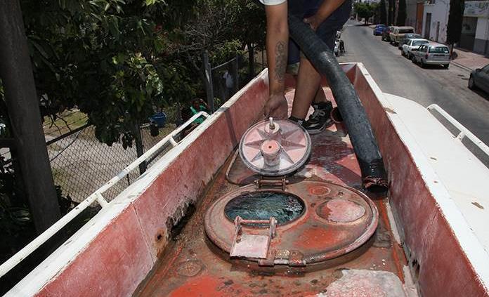 Detecta Coepris anomalías en  pipas de agua