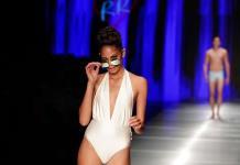 Diseñadores latinos revelan trajes de baño 2020 en Miami