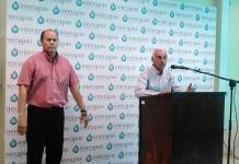 Denuncia Alcaldía que Interapas pagó 6 mdp a empresa de implementos para ganado por cobrar a morosos