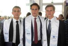 Jóvenes egresan de prepa del Tecnológico de Monterrey