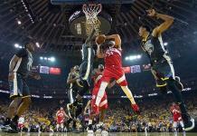 Acusan a presidente de Raptors de golpear a policía tras título