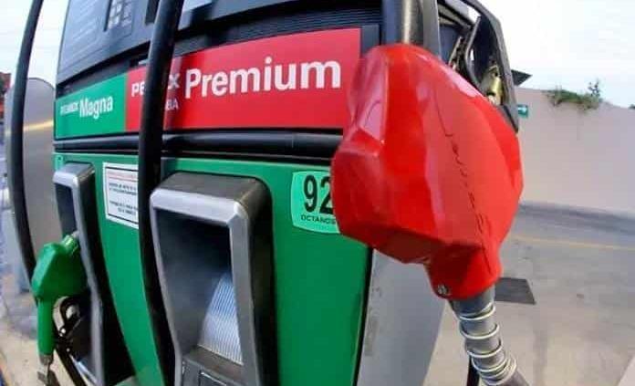 Profeco niega gasolinazos por variación en el IEPS