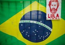 Ministro brasileño compara a Lula y Rousseff con cocaína hallada en avión presidencial