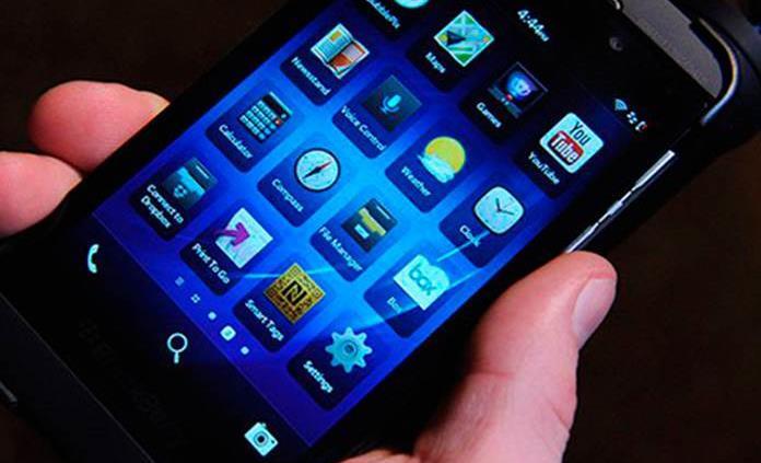 Toma en cuenta si se calienta demasiado tu celular