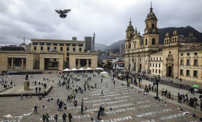 Homenaje a la memoria de los líderes sociales asesinados en Colombia — Quebrados