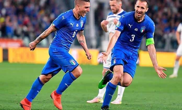 Italia sufre, pero vence 2-1 a Bosnia