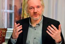 Reino Unido firma solicitud de extradición de Assange a EUA