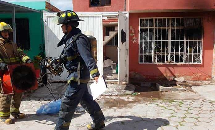 Incendio en una vivienda ocasiona tres lesionadas