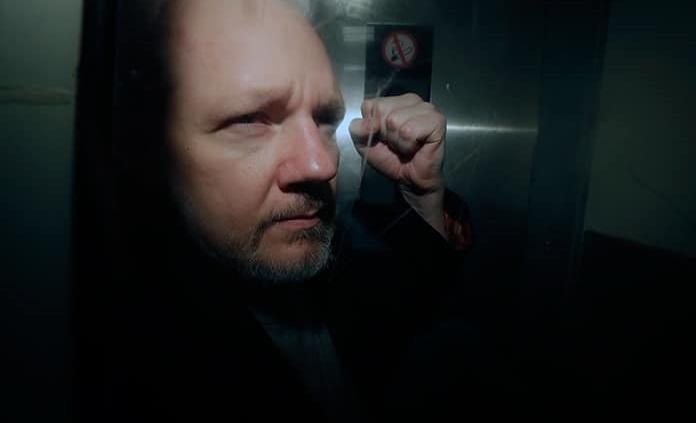 Avanza extradición de Julián Assange
