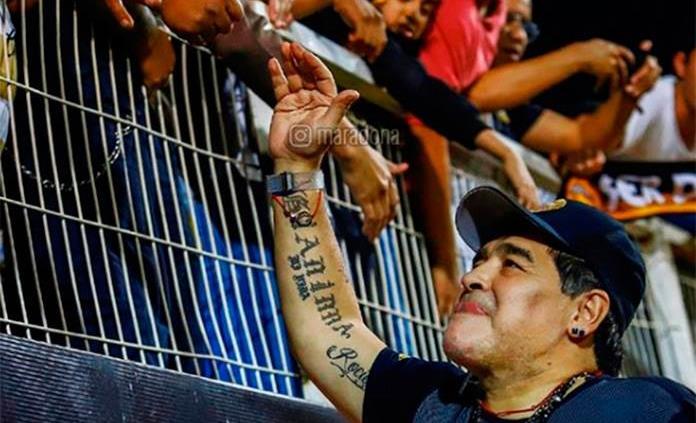 Me hicieron sentir como en mi casa, señala Maradona en mensaje de su despedida