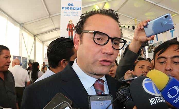 Óscar Valle deja la Oficialía; iría a Desarrollo Social