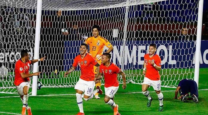 El bicampeón Chile golea 4-0 a Japón'>