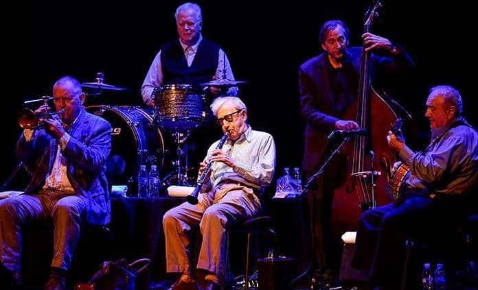 Woody Allen ofrece show con su banda de jazz