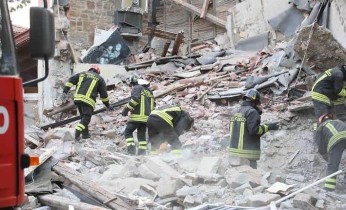 Explosión de gas deja tres muertos en Italia