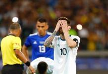 Argentina se supera jugando cada vez peor