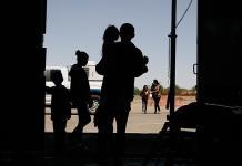 Niños migrantes, detenidos en malas condiciones: abogados