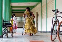 Investigan en India cientos de casos de extirpación de útero a trabajadoras