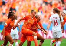 """Holanda gana y pasa a """"octavos"""" como líder"""