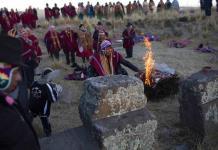 Ritos ancestrales reciben al Año Nuevo Andino en Bolivia