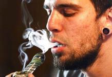 Gobernador de Illinois promulga uso de marihuana recreativa