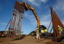 Juez bloquea recursos para el muro