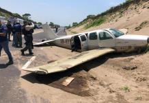 Aeronave aterriza de emergencia en autopista de Veracruz