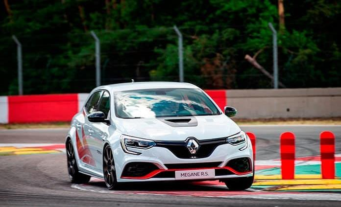 Nuevo Megane Trophy-R, más veloz sin cambiar el motor
