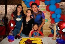 Luis Omar Vázquez Martínez celebra feliz su cumpleaños