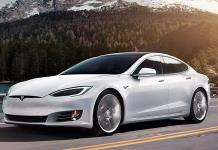 Conducía un Tesla S y pretendía ponerle gasolina