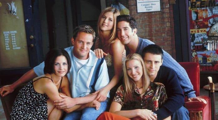 Schwimmer dice que grabación de la reunión de Friends comenzará en un mes'>
