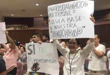 Jóvenes religiosos celebran rechazo a matrimonios igualitarios en Sinaloa
