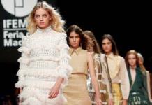 Teresa Helbig lanza elegante colección en la pasarela de Madrid