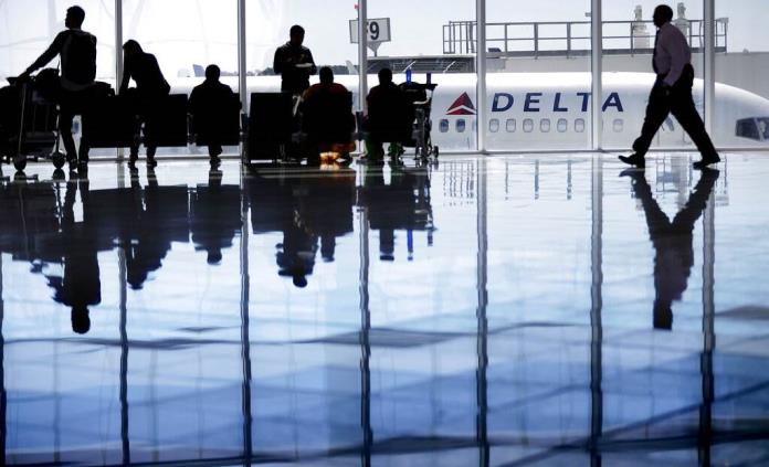 EEUU aclara normas de revisión de identificación en vuelos