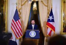 Crecen críticas a gobernador de Puerto Rico tras revelarse completo polémico chat